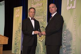 Sulzer presented the Pump Industry Excellence Award for Innovation & Technology to the Chevron Energy Technology Co.