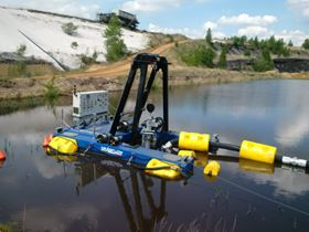 The remote controlled Dragflow dredge.