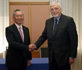 Toshihiko Kai (left), president and CEO, Nikkiso Co Ltd and Ross Brown (right), CEO and majority shareholder, Cryogenic Industries.