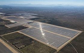 The Mojave 280 MW solar plant generates clean electricity, preventing the emission of 350'000 tons of CO2 annually.