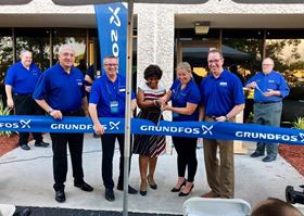 Deerfield Beach Chamber of Commerce executive director Denise Jordan joined Grundfos on 8 November for a ribbon cutting ceremony at the new Florida facility.