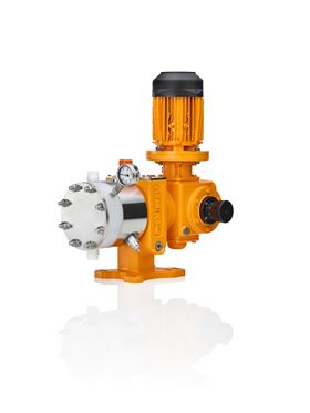 The Orlita Evolution range with PVDF and PVC dosing heads meets the most stringent safety requirements for the capacity range 3 – 7,352 l/h at pressures up to 21 bar.