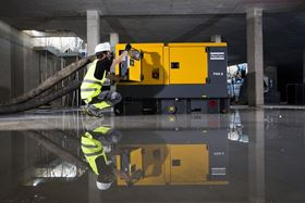 When the alleviation of heavy flooding requires rapid removal of water, a powerful dry prime pump (PAS) is a good choice.