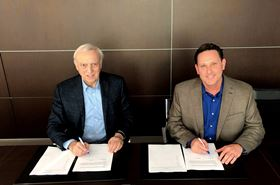 Left to right: Maurizio Masotti, Dragflow president and owner, and Bill Wetta, DSC Dredge SVP and CTO.
