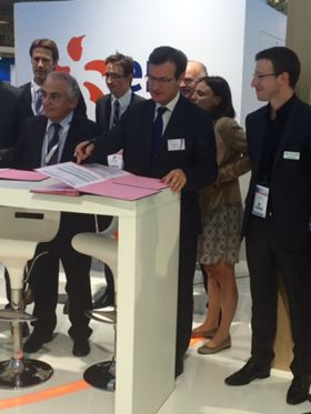 The contract was signed last month at the World Nuclear Exhibition (WNE) in Paris by Antoine Vassallo, director of EDF/DIPDE, Marseille, and by Christophe Bouvet, managing director of SPX Flow's nuclear centre of excellence in Annecy.