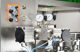 High-pressure homogenizers consist of both a pump acting as a pressure generator and a hydraulic consumer, which is called the homogenization valve.  (Image: LEWA GmbH)