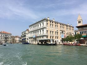 The Palazzo Grassi has two great façades, one facing the Grand Canal and the other facing  Campo San Samuele.