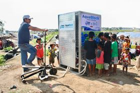 Xylem and Planet Water Foundation provide water to the local community after the Lombok earthquake in Indonesia.