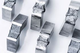 Test specimens made by additive manufacturing can be used by materials experts in tensile and notched bar impact bending tests to determine the mechanical and technological properties of components. Photo ©KSB SE & Co KGaA.
