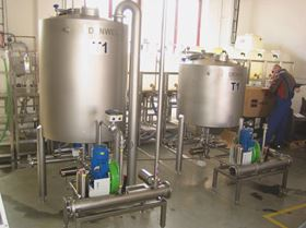 At a Bavarian brewery, several Dura 25 pumps dose and transfer 1200 hl of beer for filtering every 8-10 hours.