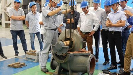 Ebara runs pump seminar at its factory in Vietnam