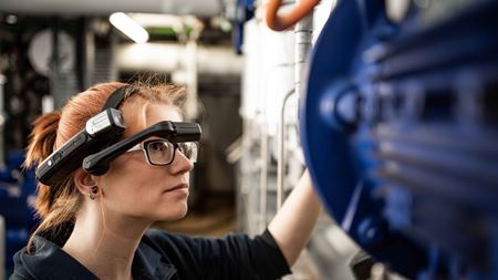 KSB Service presents new data glasses